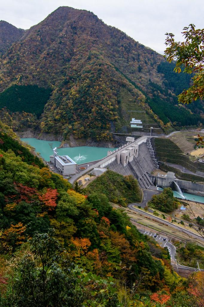 長島ダムの紅葉